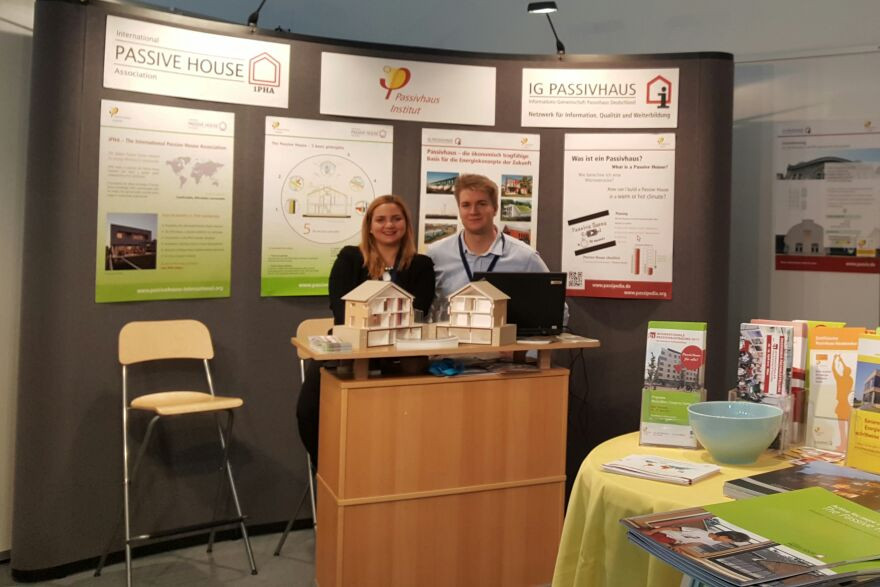 Two employees of the international passive house association at BAU Messe 2017 in Munich