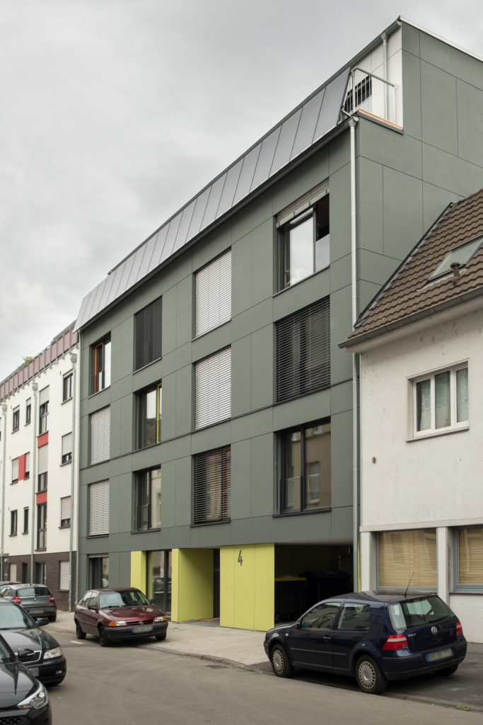 The charcoal building facade belonging to the Student Residence 42 in Bonn