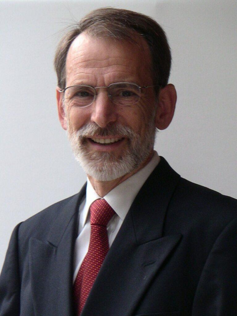 Headshot of Dr.Steinmüller